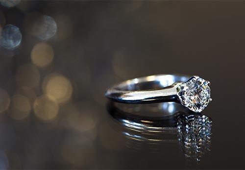 Briliantovy zasnubny prsten