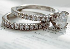 Snubne prstene z platiny